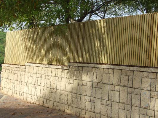 how to make a chain link fence look nice